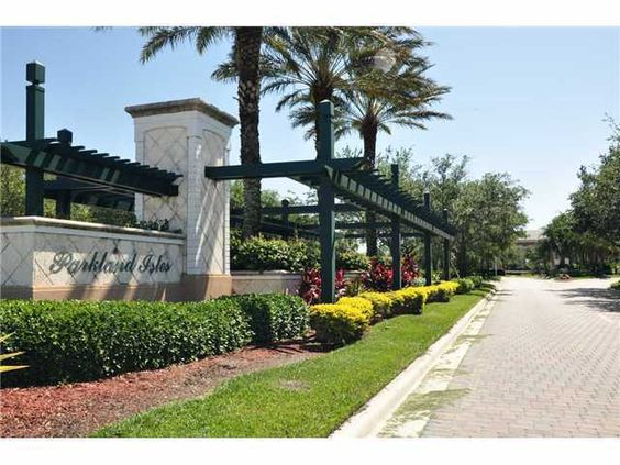 Parkland Isles Parkland Florida- Beautiful Guard Gated Pool Community in Parkland with Club House! www.susanpenn.com