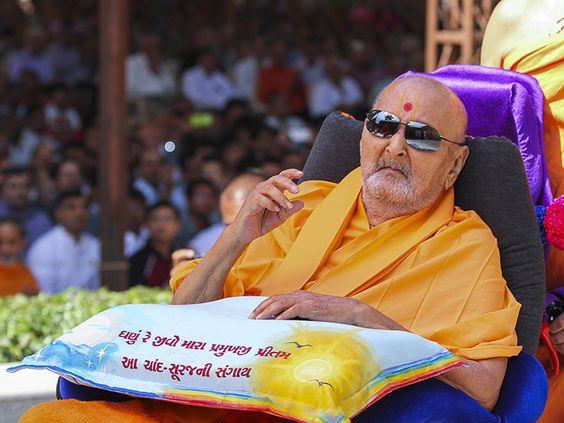 Satpurush Sarang Smruti, March 02, 2014 Par Upkari, Seva Daari, Dolave Duniya Sari, Jena Gune Rijya Girdhari, Eva Sant Param Hitkari...