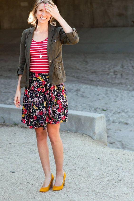 Shannon Loves wearing our HYDRANGEA heels in yellow. J'adore~