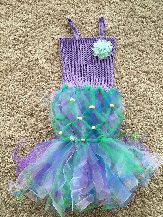Ein Meerjungfrauenkostüm passend zur Meeresparty zu Zoes 6. Geburtstag