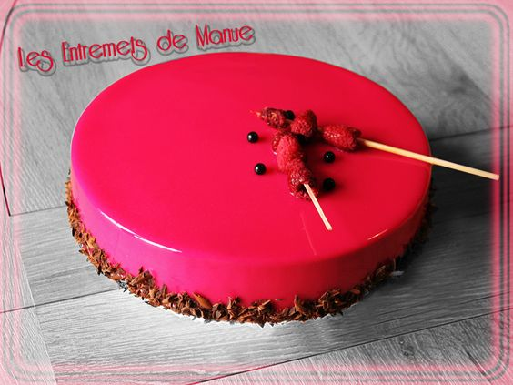 Biscuit sacher mousse chocolat noir 64 cr meux choco for Glacage miroir rose