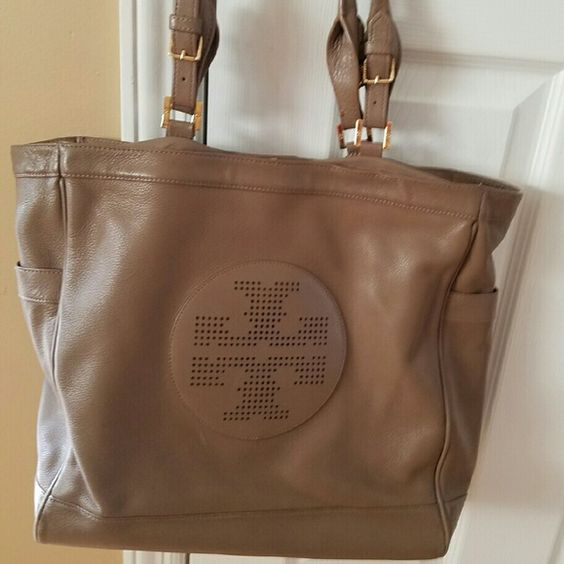 Authentic Tory burch bag Use good condition, Tory Burch Bags Shoulder Bags