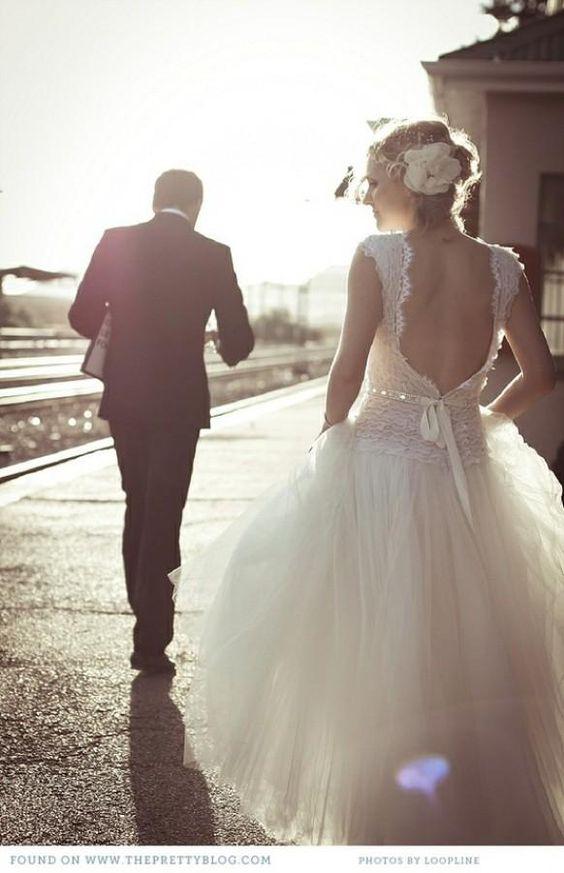 Sunset Wedding Photos ♥ Professional Outdoor Wedding Photo Ideas ♥ Lace Back Wedding Dress - Weddbook