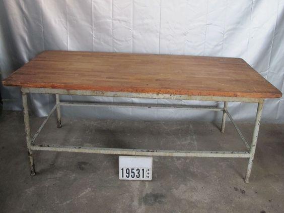 Ein alter Bäckertisch als Esstisch