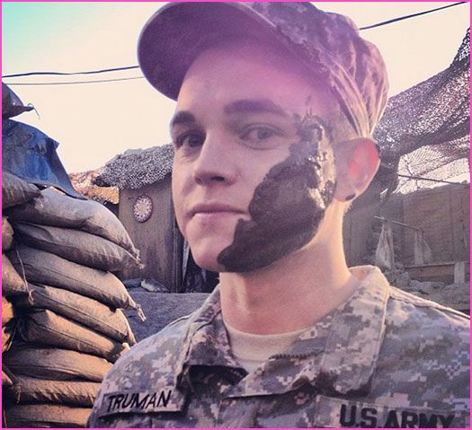 Jesse McCartney Army Wives ( ; man does a great job of well making me cry when he got back id be scared tooo