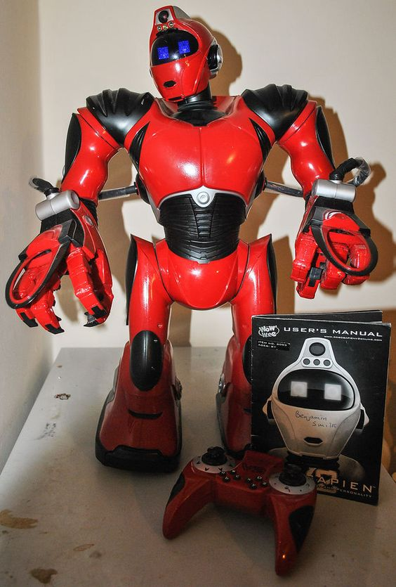 """WowWee Robosapien RS V2 Robot Red 22"""" Tall with Remote & Instructions, RARE!!!"""