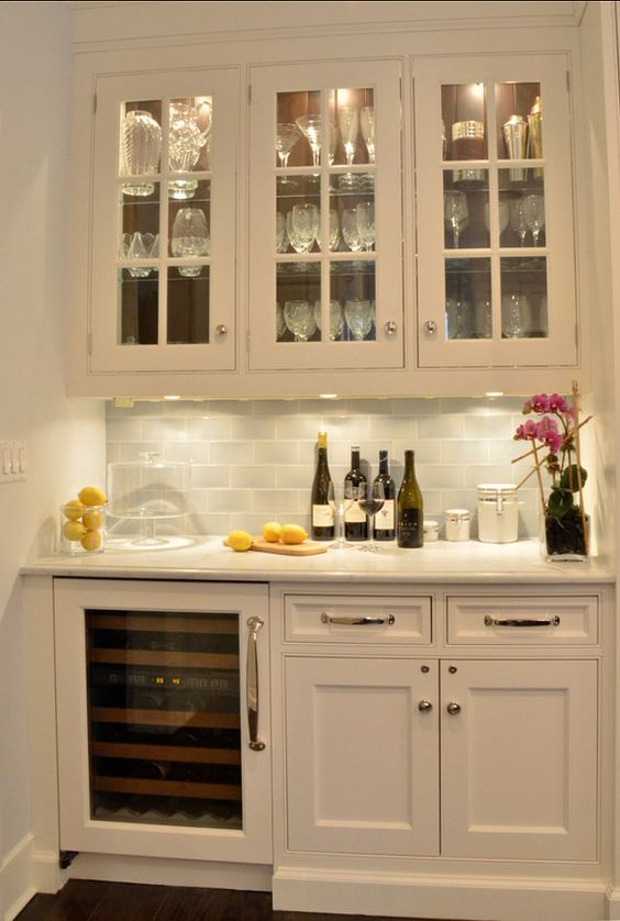 1000 ideas about built in bar on pinterest wet bars for Built in drinks cabinet