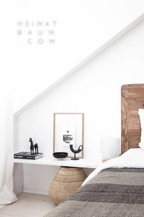 Einzeiliges Regal statt Nachtschrank im #Schlafzimmer #Wohnidee - dekorative regale inneneinrichtung
