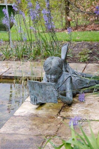 Invitando a la lectura. Les Jardins de Castillon-Plantbessin - Thomas Dupaigne- Photographe de jardins: