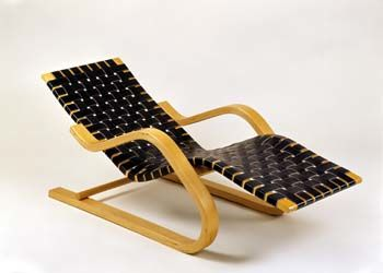 Alvar aalto lounge chair 43 birch natural lacquered seat for Alvar aalto chaise lounge
