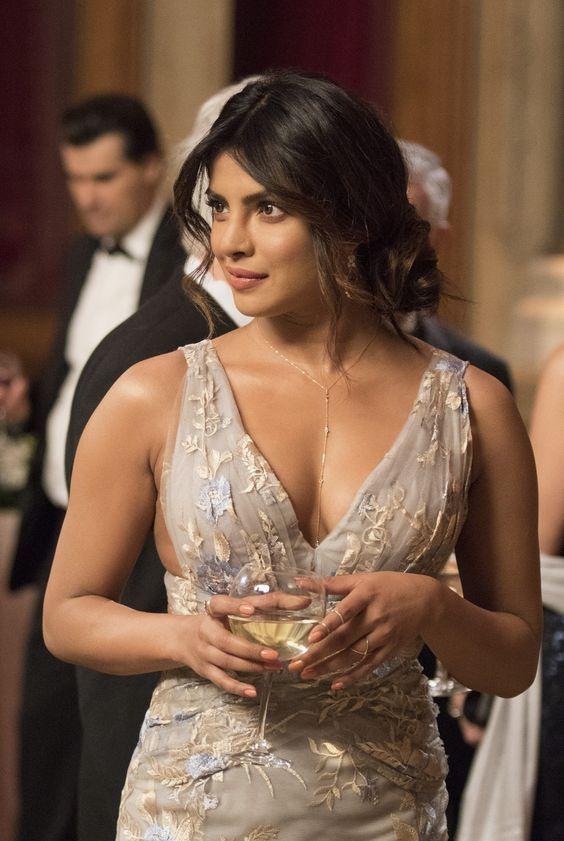 Priyanka Chopra S 5 Beauty Tips Priyankachopra Indianbeautyhacks Indianbeauty Pretty I Priyanka Chopra Bikini Priyanka Chopra Hot Indian Bollywood Actress