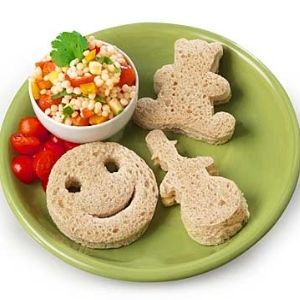 These cute little sandwhichs would be good for school lunches,