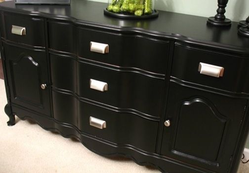 Easiest furniture re-painting tutorial I've ever seen. I'm using this one.