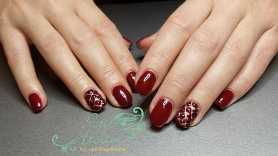 Red Nails, rote Nägel