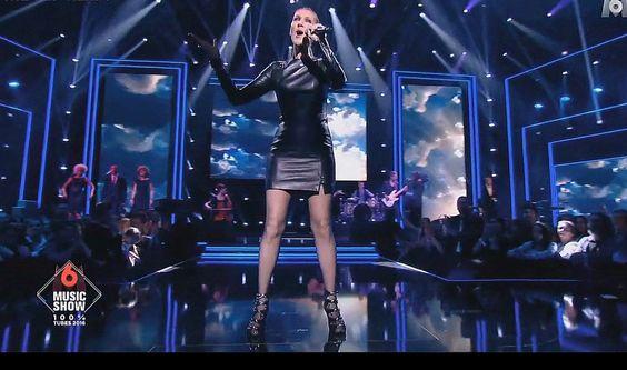 Celine Dion Les Yeux au ciel @M6 Music Show