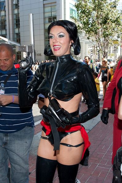 The Genteel perfection of Adrianne Curry ...  Sumptuous silhouette of my dreams...   Curry was a co-host on the television game show Ballbreakers.