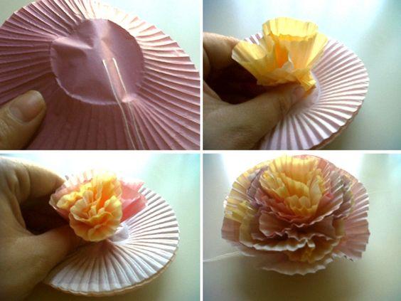 Flores de papel con moldes de cupcakes