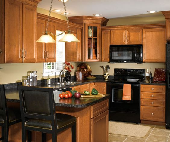 Traditional Kitchen Cabinets, Maple Autumn Finish, Like
