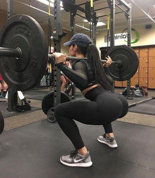 Gym Girls Squats