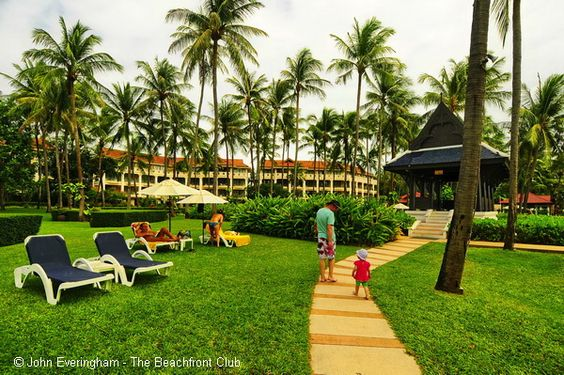 Centara Grand Beach Resort, Chaweng Beach, Koh Samui, Thailand. The huge area of lawns and gardens is excellent for children.