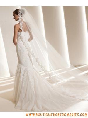 Créateur robe de mariée dentelle applique de fleurs