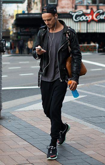 【2016新着】黒スニーカーを使ったメンズコーデ50連発|白もいいけどやっぱ黒がいい!