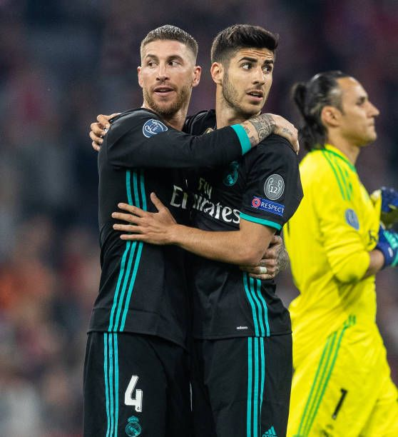 Sergio Ramos Of Real Madrid Hugs Marco Asensio Of Real Madrid After Real Madrid Team Sergio Ramos Real Madrid Manchester United