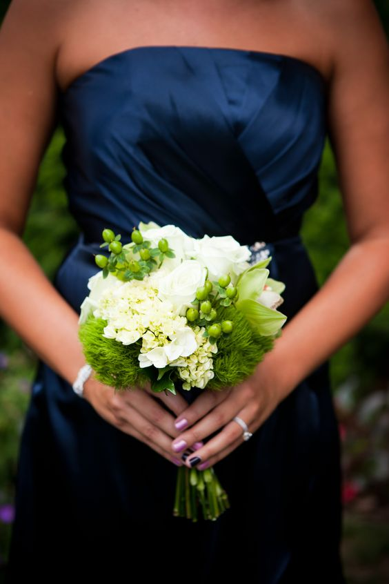 Elizabeth Wray Design-Love this color combo with complimentary dress color - Monica Z Photography