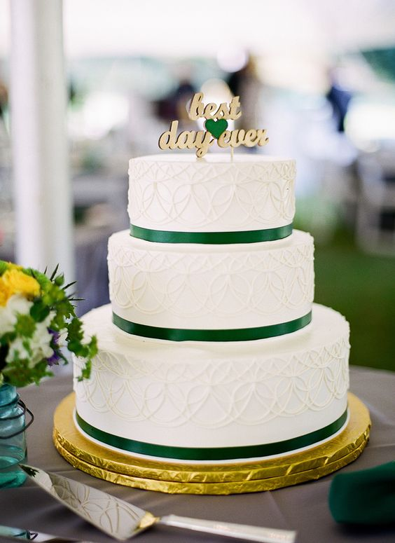 Emerald and Gold Wedding Colour for Vintage Wedding Theme - Gold Wedding Cake Topper