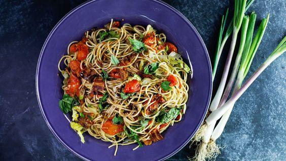 BLT Spaghetti Recipe   Rachael Ray Show