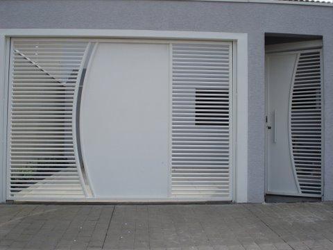 Resultado de imagem para imagens de Portas - Portões - Basculantes - Deslizantes - Pivotantes Grades - Escadas - Toldos em policarbonato e Coberturas Metálicas