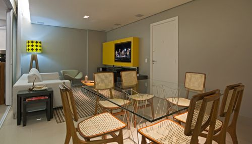 Residência Maura Valadares I Isabela Bethônico Arquitetura. Sala integrada / Multifunção / Detalhe sem amarelo