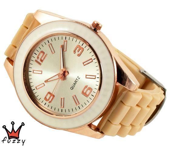 Γυναικείο ρολόι, με κάσα σε ροζ χρυσό/εκρού και περλέ καντράν.  Λουράκι σε μπεζ , από σιλικόνη. Διάμετρος καντράν 44 mm