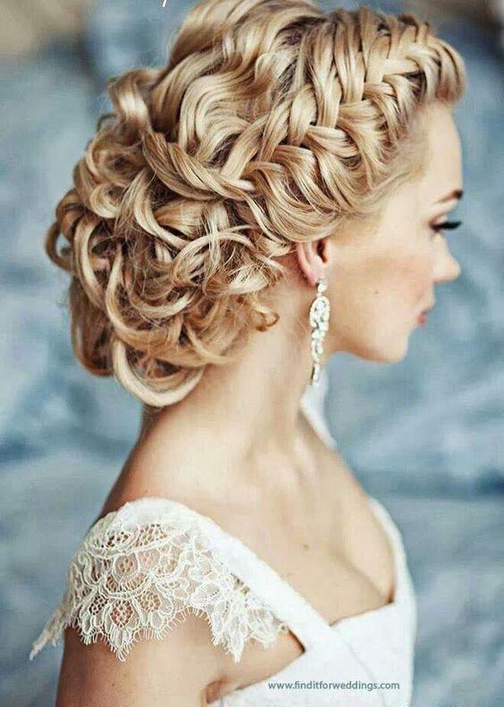 Einfache Hochzeitsfrisur für Kleider 2015