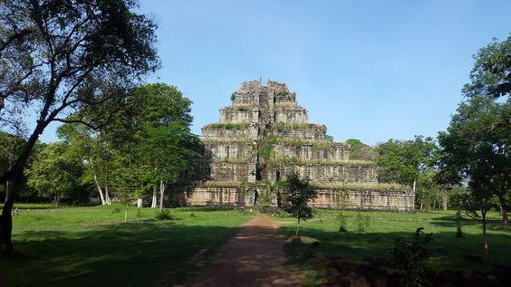 Prasat Thom - kim tự tháp của nền văn minh Khmer
