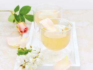 Recette Tisane glacée féérique à l'acacia - Feminin Bio