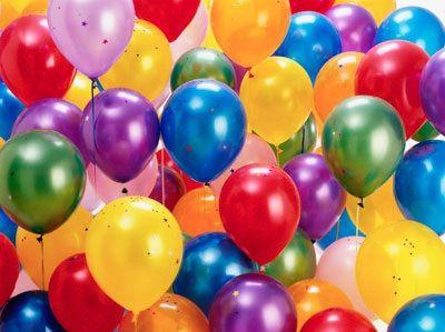 Gioca con i palloncini, amati dai bimbi di tutte le età, per una bella gara tutti contro tutti.