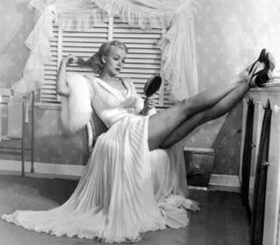 @Chasity D.~Old Hollywood Glam/I wanna do this pose: