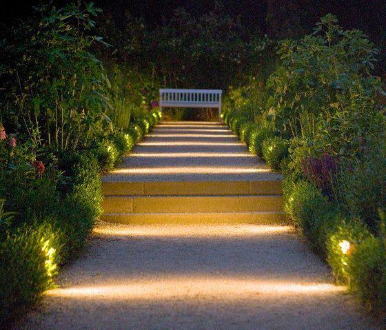 30 Diy Lighting Ideas At Night Yard Landscape With Outdoor Lights Outdoor Landscape Lighting Garden Lighting Design Landscape Lighting Design