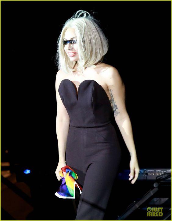 Lady Gaga Sings National Anthem During NYC Pride Rally - Watch Now! | lady gaga sings national anthem during nyc pride watch now 02 - Photo