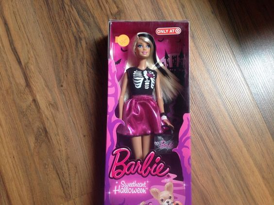 Sweetheart Halloween Barbie-Target exclusive-2012 #Mattel