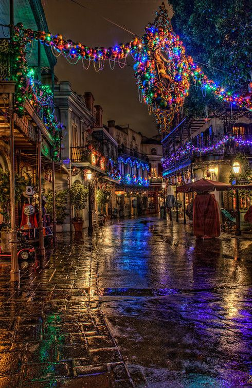 EFF Disneyland @ Christmastime, but I love the way they decorate New Orleans Square. I would go there just to see it.