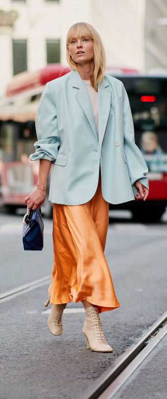 Stockholm fashion week street style | satin modo skirt outfits | blazer outfit ideas | street style ideas for fall 2018
