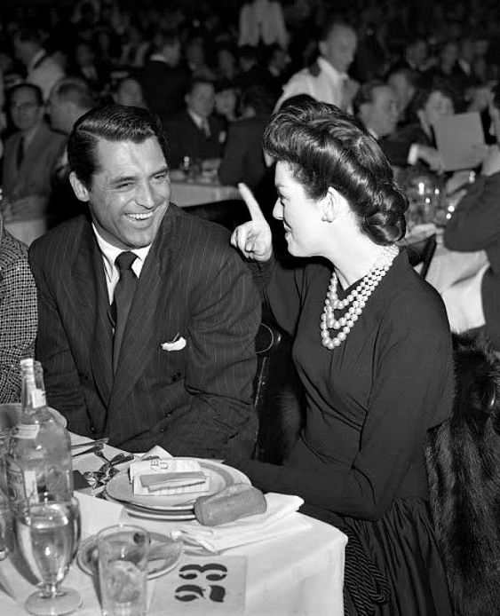 Image result for joan fontaine cary grant