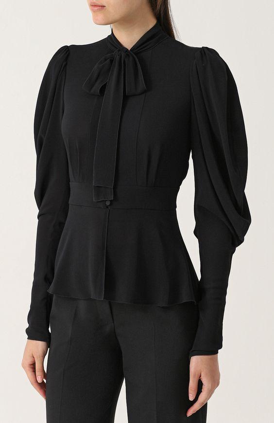 Женская черная приталенная блуза с воротником аскот Dolce & Gabbana, сезон FW 17/18, арт. 0102/F7ZW5T/FURG4 купить в ЦУМ | Фото №3