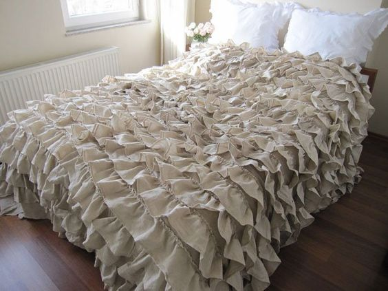 Ruffled Bed Cover   12 DIY Shabby Chic Bedding Ideas