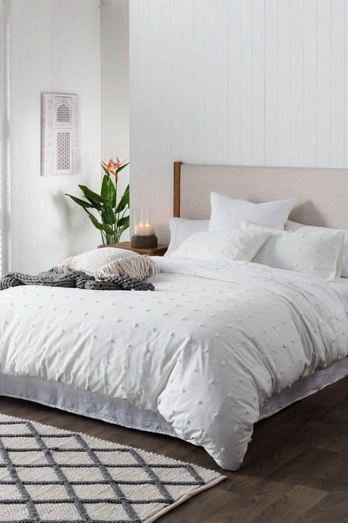 10 Stylish Quilts And Comforters For Your Bedroom Lavorist Bedding Inspiration Bed Linens Luxury Comfortable Bedroom