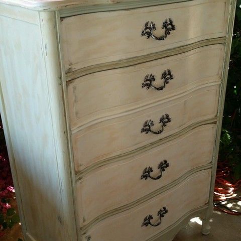 Beautiful vintage French provincial chest of drawers. 47h x 32w x ...