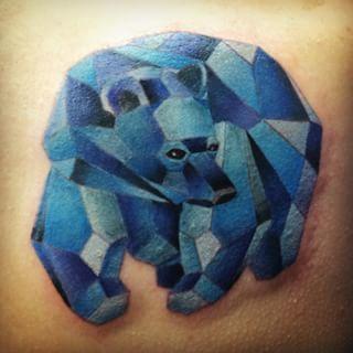 Este oso geométrico. | Community Post: 21 Hermosos tatuajes que todo amante de la naturaleza querrá
