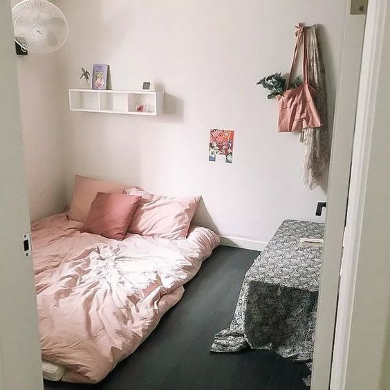 √73 Creative Tips on How to Make a Small Bedroom Look Larger #smallbedroom #bedroom #design #ideas #house | alatgamingmurah.me